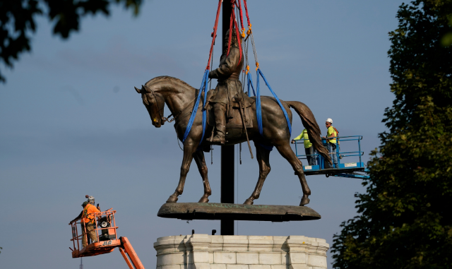 Robert E. Lee Monument Comes Down To Pave Way for a New Casino in Richmond